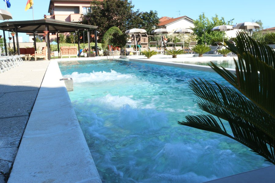 river park hotel piscina ameglia la spezia